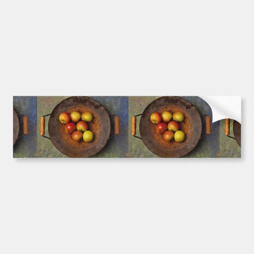 Manzanas jugosas en wok etiqueta de parachoque