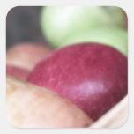 Manzanas orgánicas frescas pegatina cuadrada
