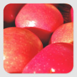 Manzanas rojas maduras pegatina cuadrada