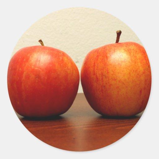 Manzanas rojas pegatinas redondas