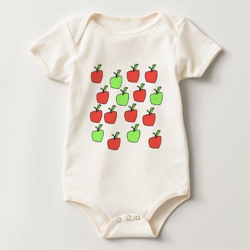 Manzanas rojas y manzanas verdes, modelo, en la mamelucos
