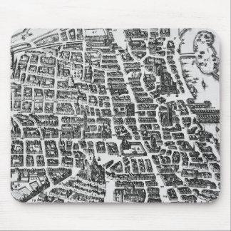 Map of Paris, 1620 Mousepads