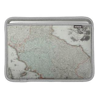 Mapa antiguo de Lazio, Italia Fundas Para Macbook Air