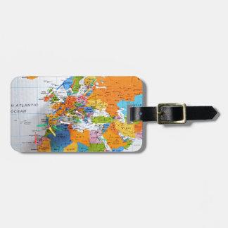 Mapa colorido del viaje etiqueta de equipaje
