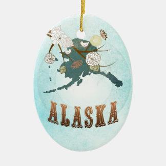 Mapa de Alaska con los pájaros preciosos Adorno Ovalado De Cerámica