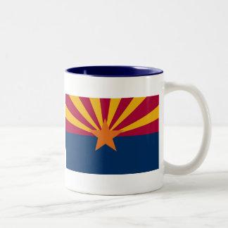 Mapa de Arizona y bandera del estado Taza Dos Tonos