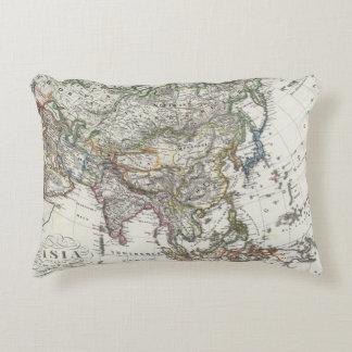 Mapa de Asia por Stieler Cojín Decorativo