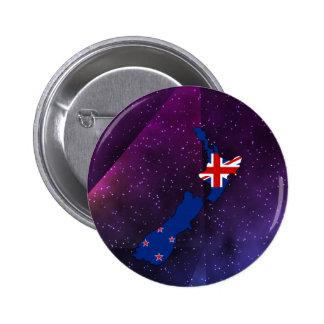 mapa de la bandera de Nueva Zelanda en fondo Pin Redondo 5 Cm