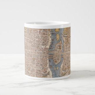 Mapa de la ciudad de París del vintage 1550 Tazas Extra Grande