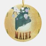 Mapa de Maine con los pájaros preciosos Adorno De Navidad
