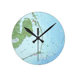 Mapa de Outer Banks Reloj Redondo Mediano