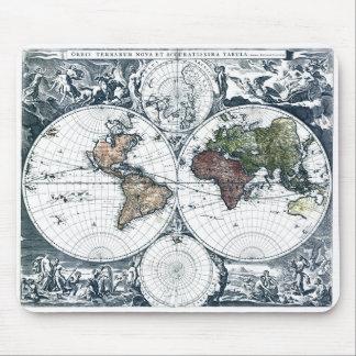 Mapa del mundo 1658 de Nicolao Visscher del vintag Alfombrillas De Raton