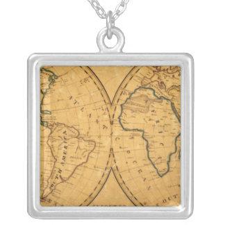 Mapa del mundo 5 collar plateado