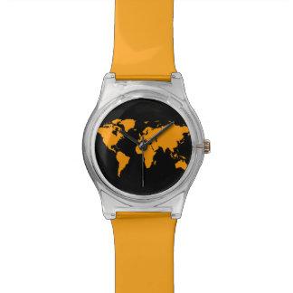 mapa del mundo anaranjado reloj de mano