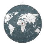 Mapa del mundo. azul y blanco tabla dardos