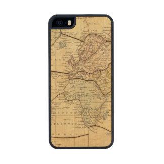 Mapa del mundo en la proyección de Mercators Funda De Arce Carved® Para iPhone 5