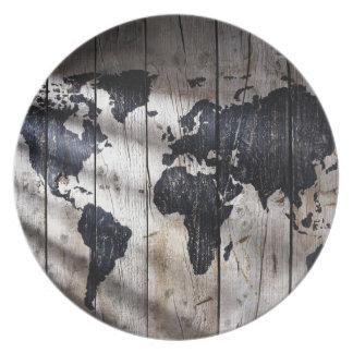 Mapa del mundo en la textura de madera platos para fiestas