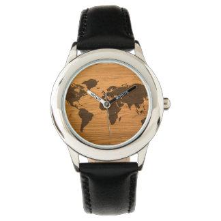Mapa del mundo quemado madera relojes de pulsera