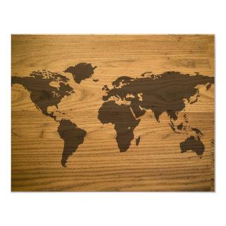 """Mapa del mundo texturizado viruta invitación 4.25"""" x 5.5"""""""