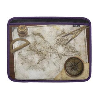 Mapa del mundo y herramientas del vintage fundas MacBook