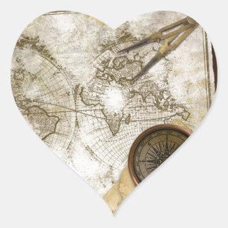 Mapa del mundo y herramientas del vintage pegatina en forma de corazón