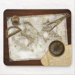 Mapa del mundo y herramientas del vintage alfombrilla de ratón