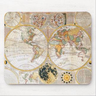 Mapa del siglo XVIII Alfombrillas De Ratones