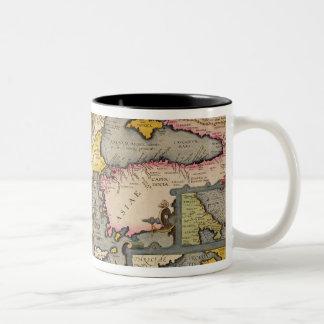 Mapa del viaje de los argonautas taza de café de dos colores