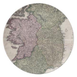 Mapa del vintage de Irlanda (1716) Plato Para Fiesta