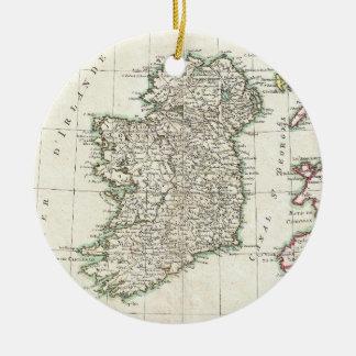 Mapa del vintage de Irlanda (1771) Adorno Navideño Redondo De Cerámica