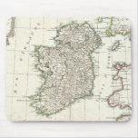 Mapa del vintage de Irlanda (1771) Tapetes De Ratón