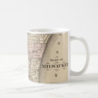Mapa del vintage de Milwaukee (1880) Tazas De Café