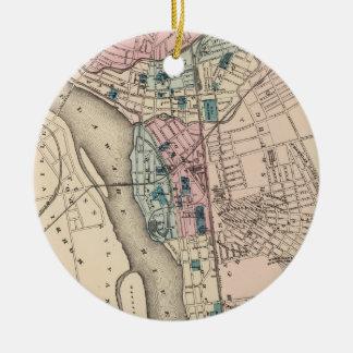 Mapa del vintage de Trenton NJ (1872) Adorno Redondo De Cerámica