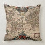 Mapa del vintage del mundo (1641) cojin