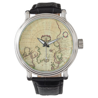 Mapa del vintage en el reloj de cuero negro