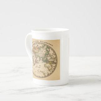 Mapa grabado del hemisferio del este taza de porcelana