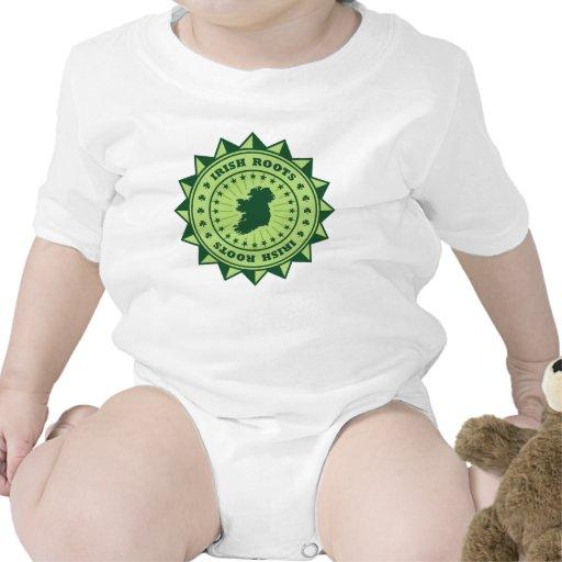 Mapa irlandés de las raíces traje de bebé