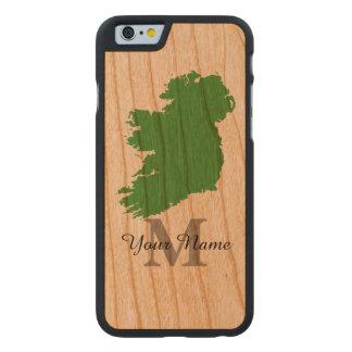 Mapa personalizado de Irlanda con monograma Funda De iPhone 6 Carved® De Cerezo
