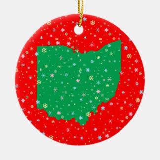 Mapa rojo verde festivo de los copos de nieve de adorno navideño redondo de cerámica