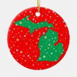 Mapa verde y rojo festivo de los copos de nieve de adorno navideño redondo de cerámica