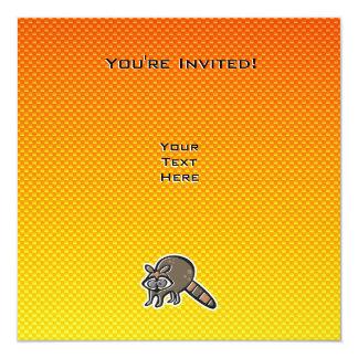 "Mapache amarillo-naranja invitación 5.25"" x 5.25"""
