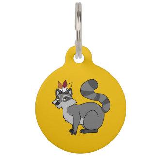 Mapache de plata de la acción de gracias con el placa de mascota