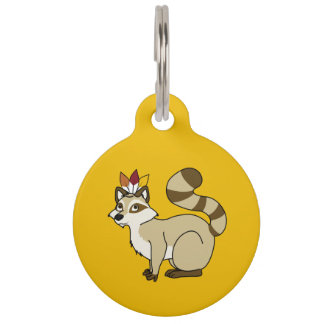 Mapache rubio de la acción de gracias con el placa para mascotas