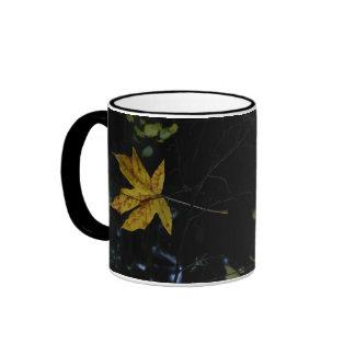 Maple Leaf Gold Floating 3D Ringer Mug