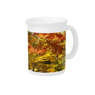 Maple tree foliage pitcher