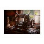 Máquina de coser - cuero - alcantarilla de la sill tarjeta postal