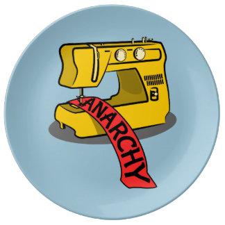 Máquina de coser de la anarquía platos de cerámica