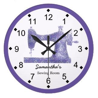 Máquina de coser del damasco púrpura reloj redondo grande