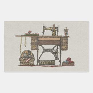 Máquina de coser y gatitos del pedal pegatina rectangular