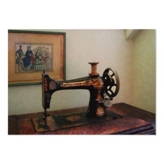 """Máquina de coser y litografía invitación 5"""" x 7"""""""